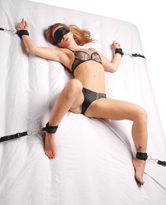 Boudoir Amore Bedroom Restraint Kit
